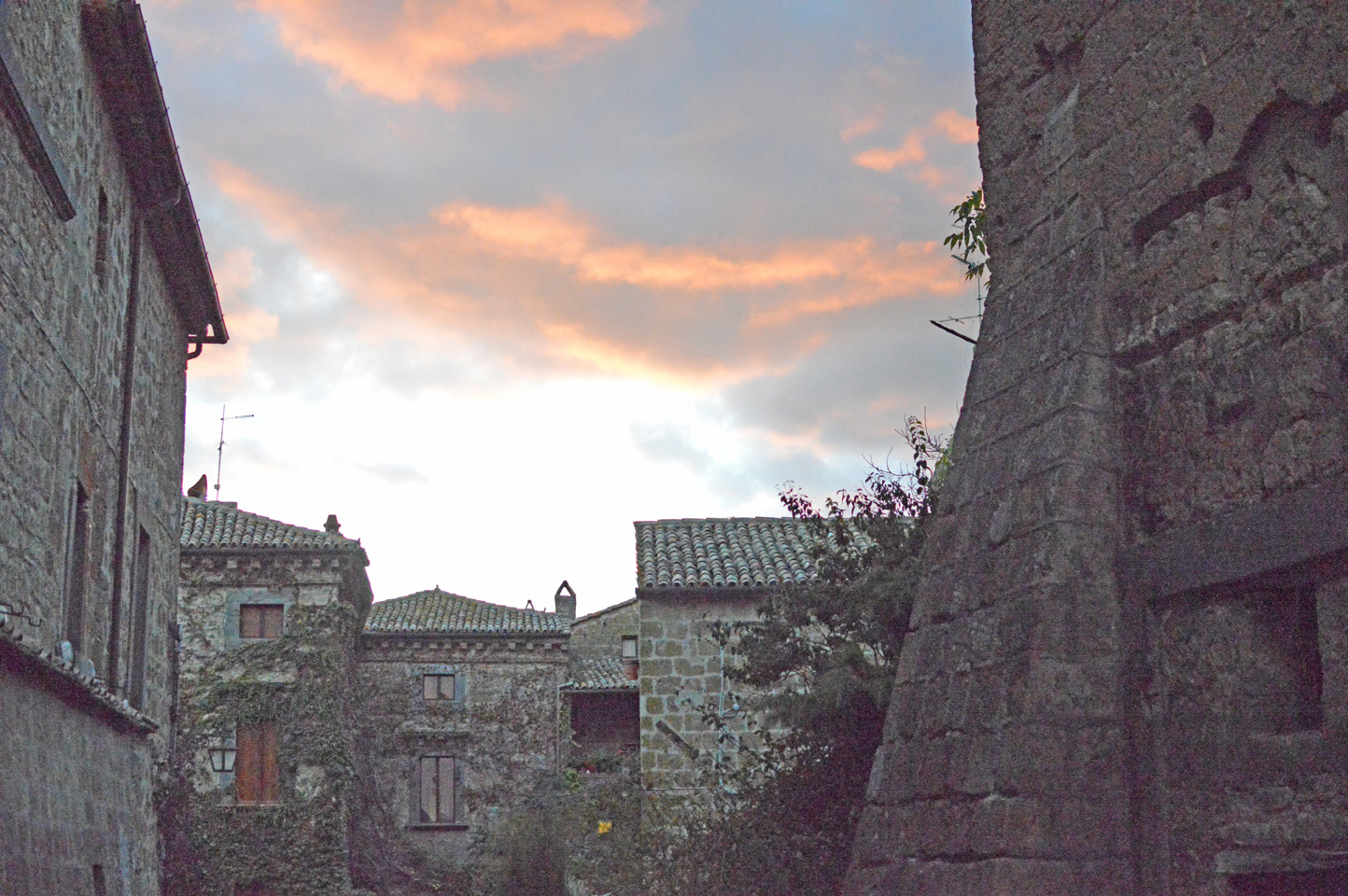 "106 #WhereToGo: Civita di Bagnoregio (""The dying city"")"