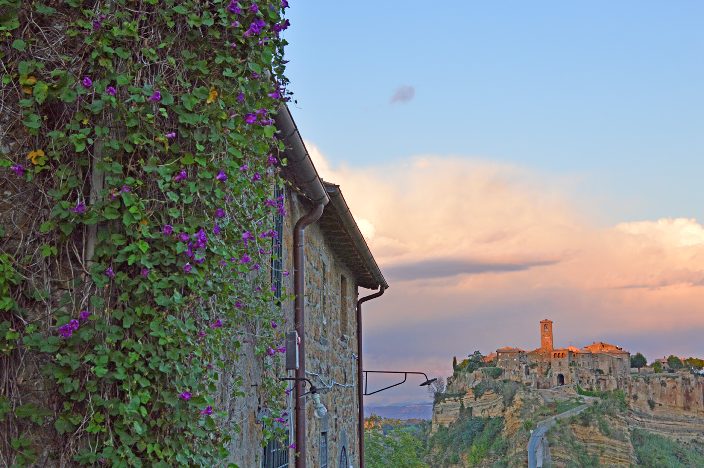 "172 #WhereToGo: Civita di Bagnoregio (""The dying city"")"