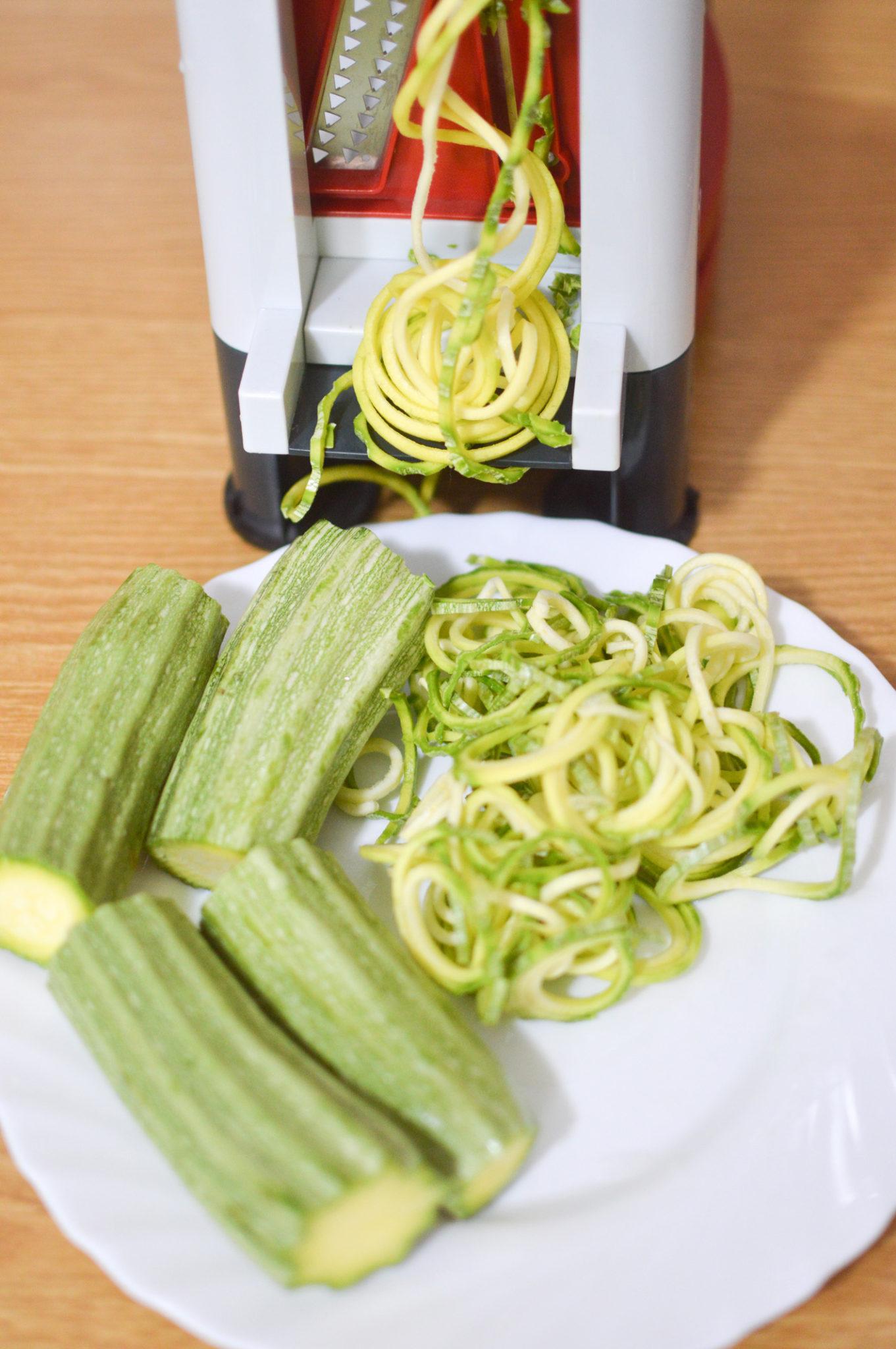 5 Noodles di zucchine e pesto di menta.