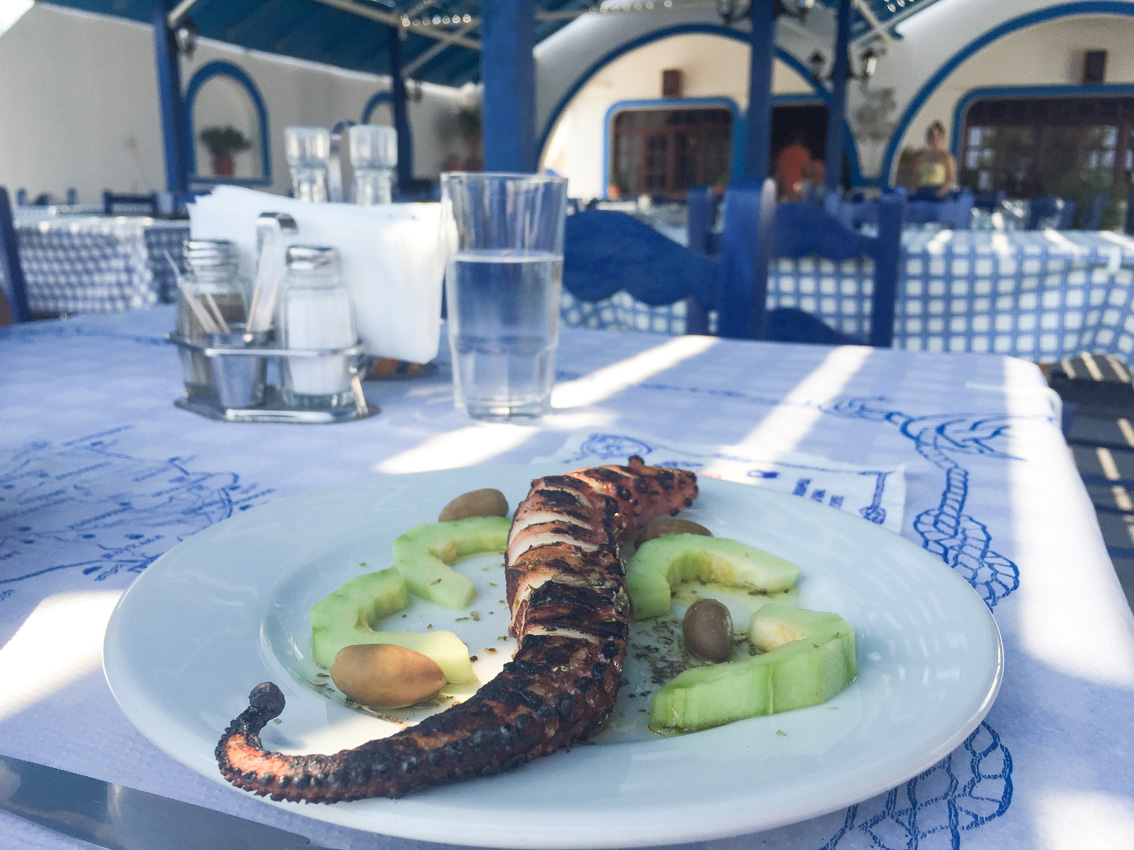 12 Santorini. Travel tips #2
