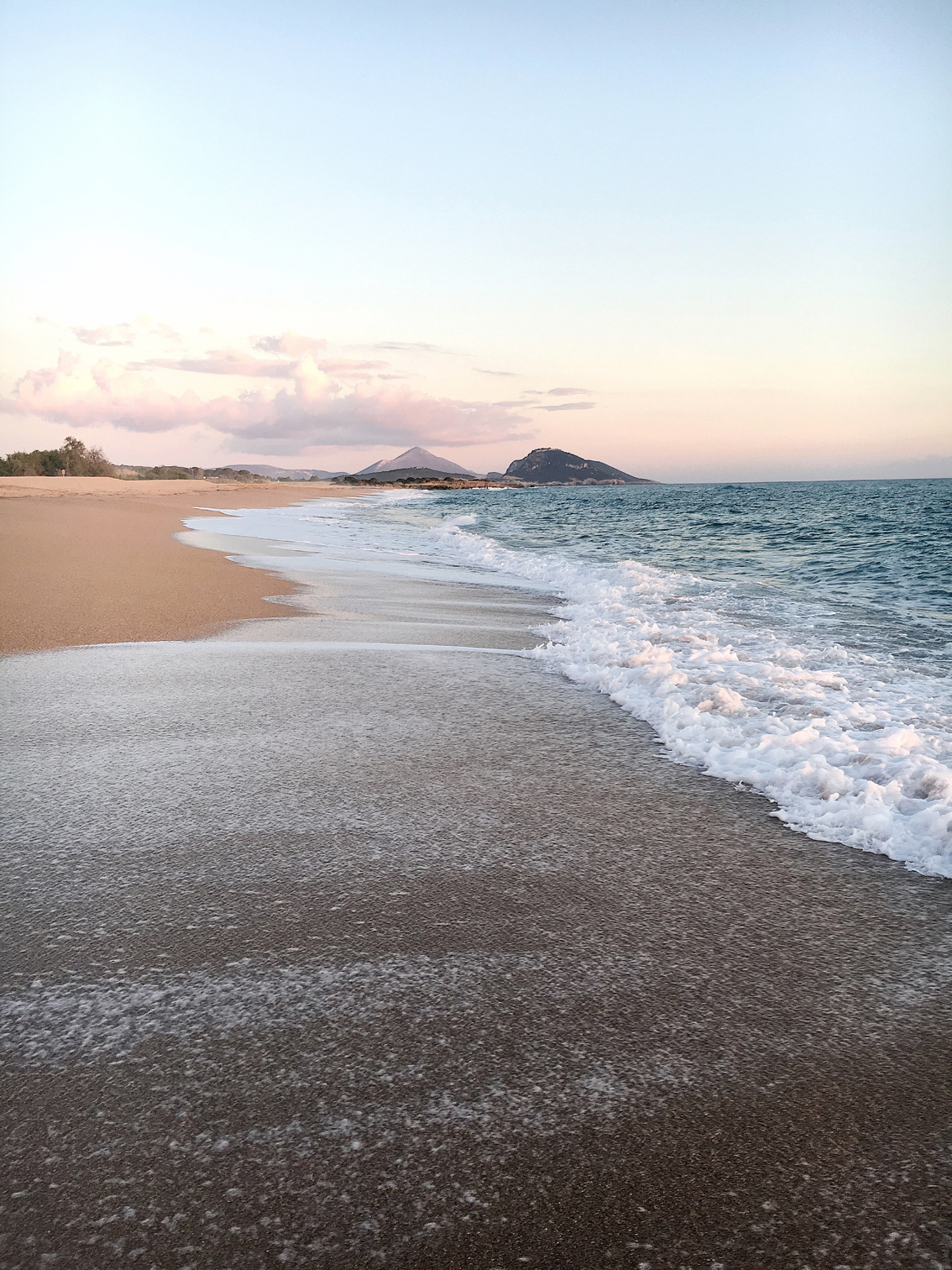 19-1 Costa Navarino, an unspoiled Greek paradise.