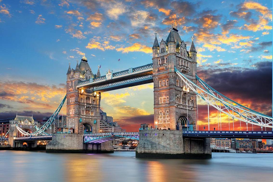 Miglior-luogo-per-il-tramonto-tower-bridge-Londra Tendenze borse Primavera/Estate 2016: Collezione YNot.
