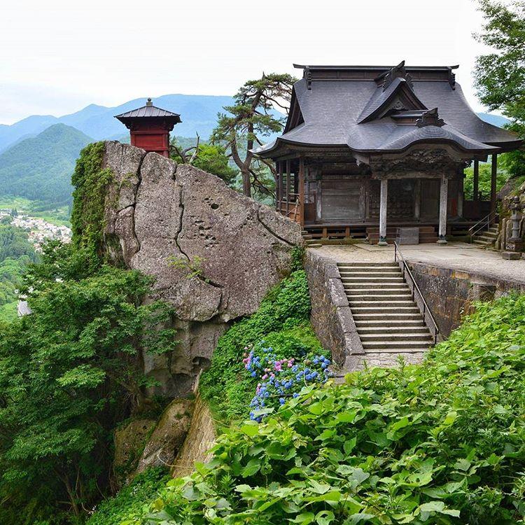 13745072_1166856780032143_224382971_n Cosa mettere in valigia per il Giappone? In partenza con Blueberry Travel.