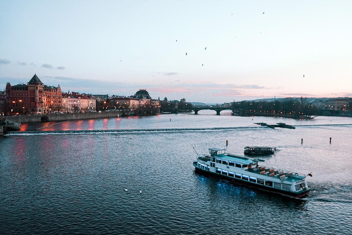 10-2 Weekend a Praga: 7 cose da vedere, dove dormire, gli indirizzi food e i Mercatini di Natale più belli.