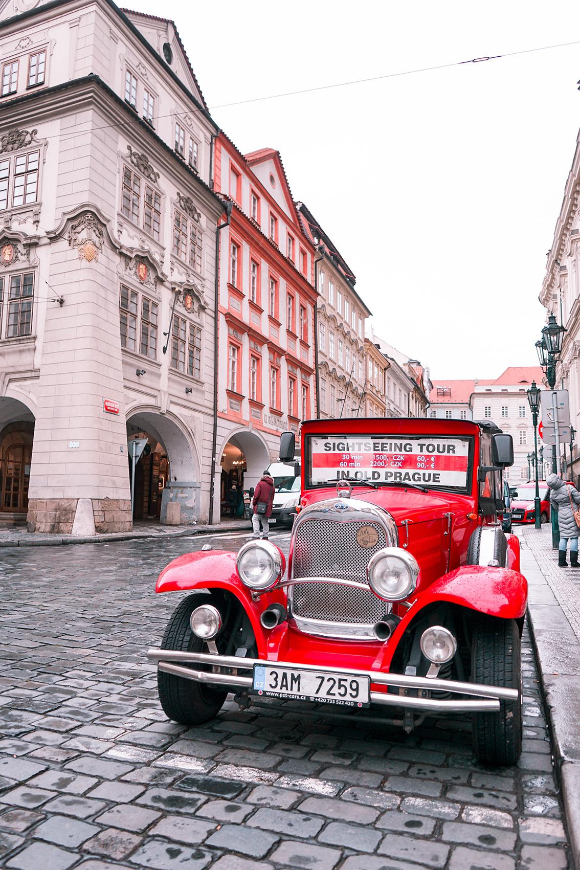 15 Weekend a Praga: 7 cose da vedere, dove dormire, gli indirizzi food e i Mercatini di Natale più belli.