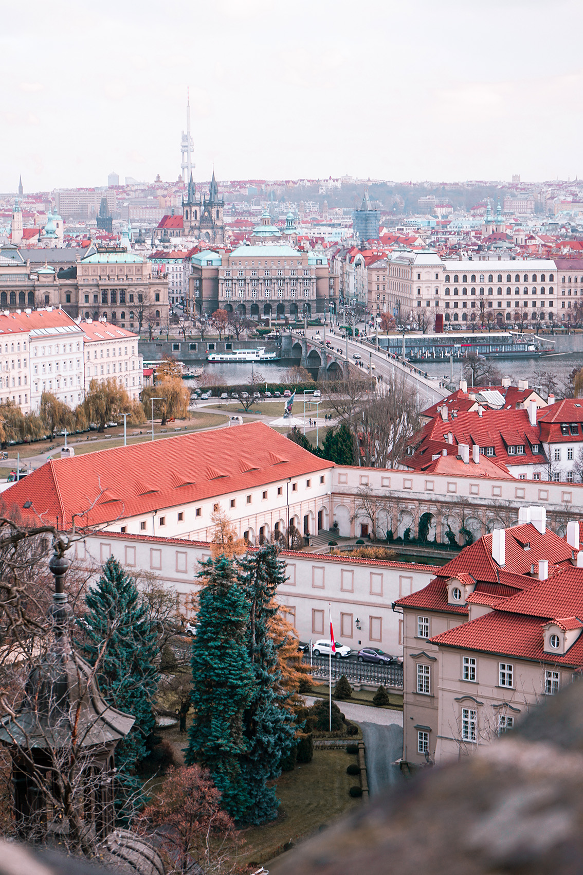 2-2 Weekend a Praga: 7 cose da vedere, dove dormire, gli indirizzi food e i Mercatini di Natale più belli.