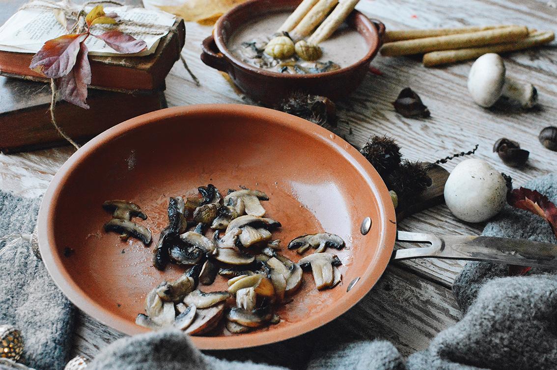 5-1 The perfect seasonal recipe: chestnut and mushroom soup with Pangrì Mulino Bianco.