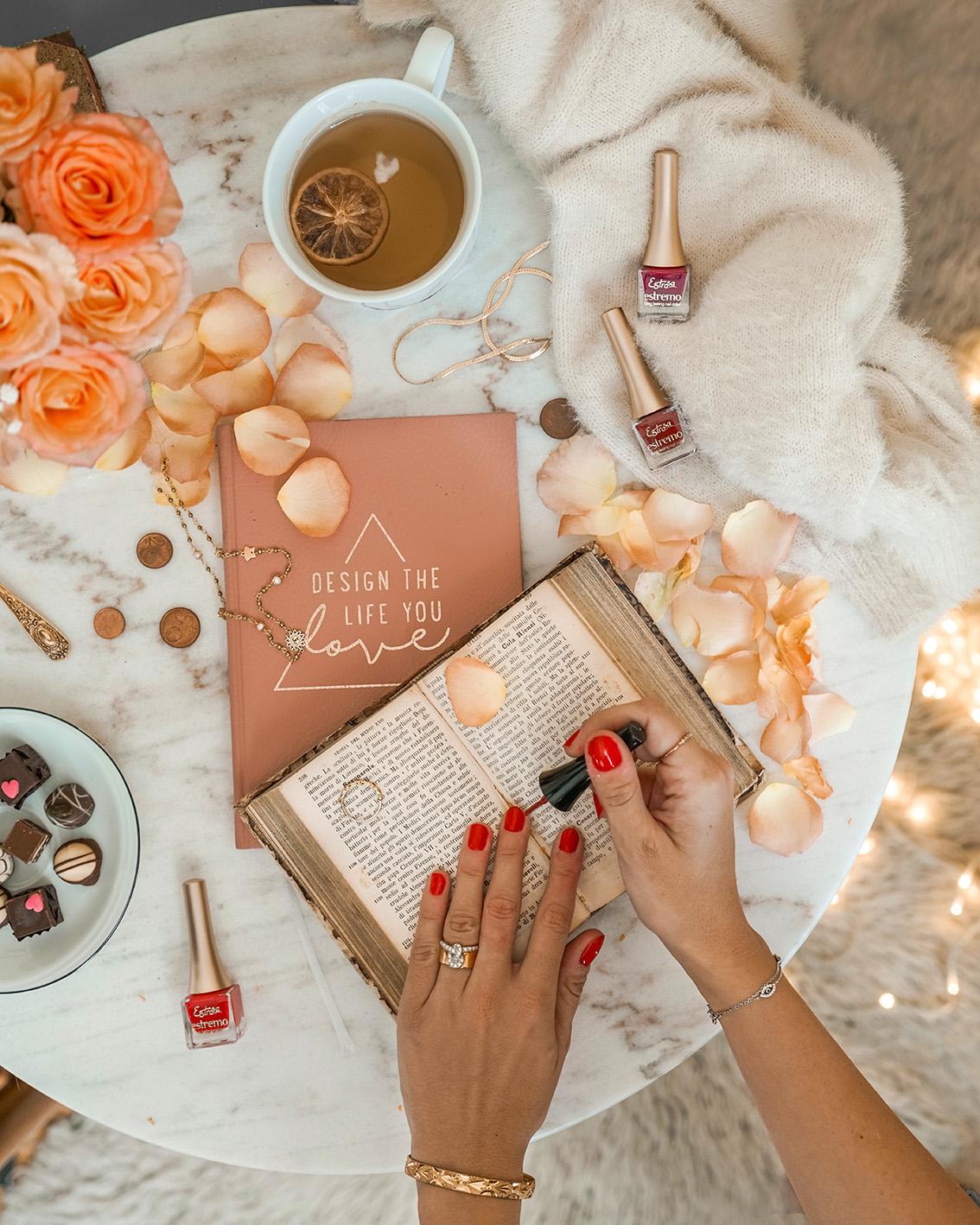 2 Come avere una manicure sempre perfetta? Vi svelo il mio segreto con Estrosa.