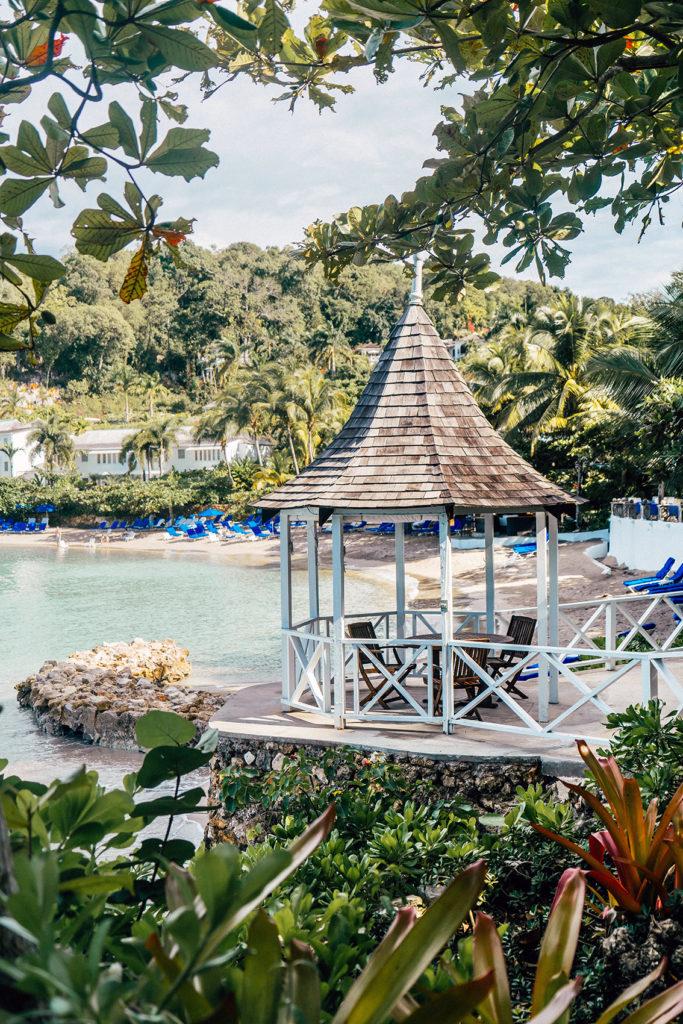 44J-683x1024 Fuga dall'inverno in Giamaica: alla scoperta dell'isola caraibica di Bob Marley.