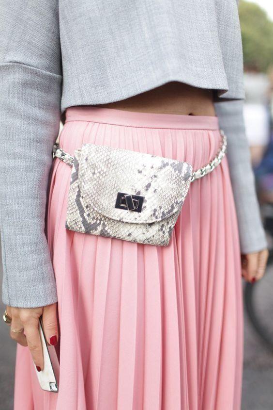 outfit-marsupio4 Trend primavera/estate 2020: 10 idee regalo per la Festa della Donna su PAYBACK.