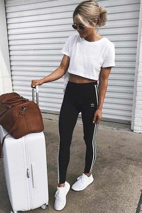 sporty-outfit- Trend primavera/estate 2020: 10 idee regalo per la Festa della Donna su PAYBACK.