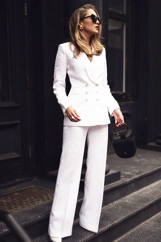 suit-outfit Trend primavera/estate 2020: 10 idee regalo per la Festa della Donna su PAYBACK.