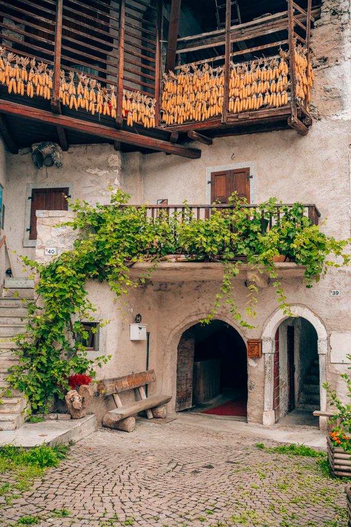 65tt-683x1024 Estate in Trentino: cosa vedere nella bellissima Comano.