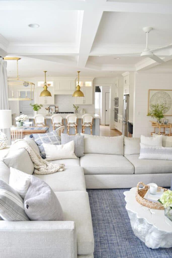 stile-americano-casa2-683x1024 10 stili di tendenza per la casa 2021: come ispirarsi con MTV Cribs Italia