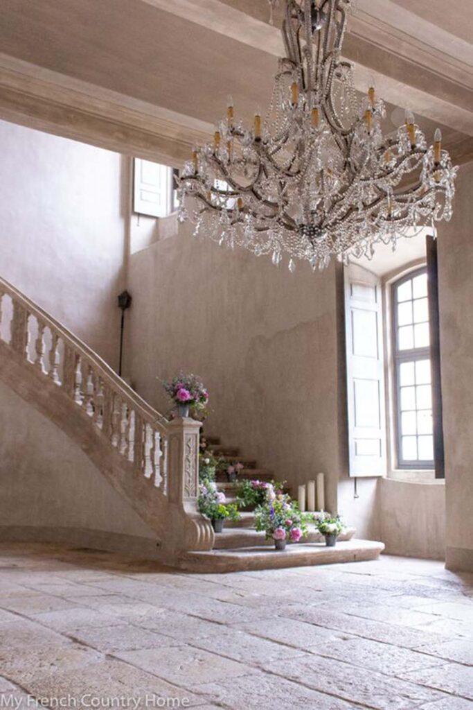stile-provenzale-casa4-683x1024 10 stili di tendenza per la casa 2021: come ispirarsi con MTV Cribs Italia