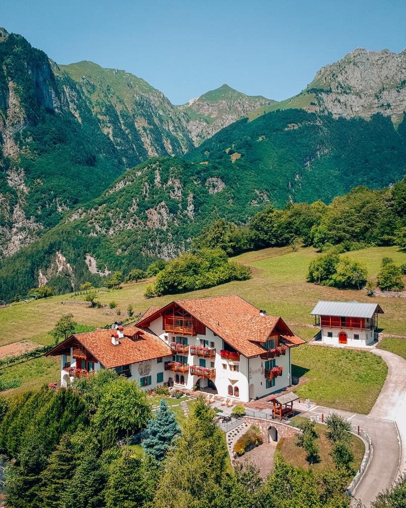 garni-819x1024 Vacanze in Trentino: le attività imperdibili da provare per nutrire i sensi e l'anima in Paganella.